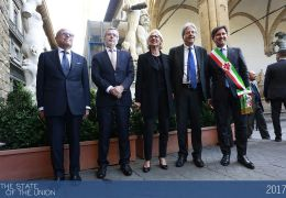 Gentiloni with welcome committee